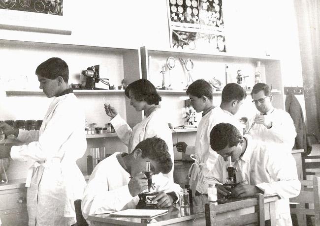 1963-1964 / Εργαστήριο Χημείας