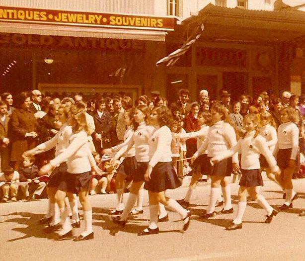1974 / Σχολική παρέλαση 25ης Μαρτίου